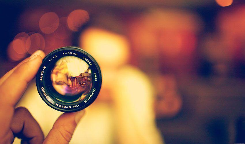 Estrategia de diseño web con vídeo y foto